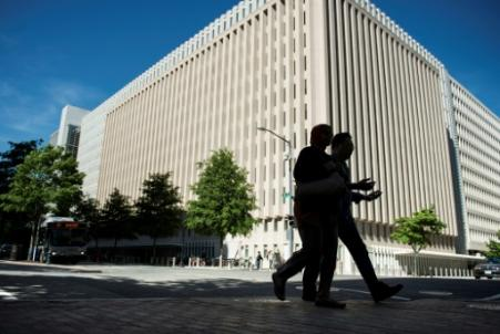 Le siège de la Banque mondiale à Washington, le 3 mai 2013 (Photo BRENDAN SMIALOWSKI. AFP)