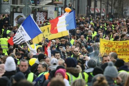 Rassemblement de 'gilets jaunes' rue Saint-Antoine, près de la Bastille, le 12 janvier 2019 à Paris (Photo ludovic MARIN. AFP)