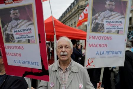 Un manifestant contre la hausse de la CSG et la baisse du pouvoir d'achat à Paris le 14 juin 2018 (Photo Thomas SAMSON. AFP)