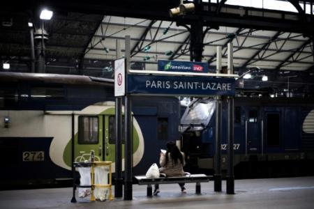 La gare Saint-Lazare, dans le nord-ouest de Paris, est la deuxième plus fréquentée de France, derrière la gare du Nord (Photo Philippe LOPEZ. AFP)