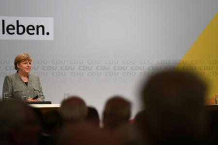 La chancelière allemande Angela Merkel, le 12 août 2017 à Dortmund (Photo PATRIK STOLLARZ. AFP)